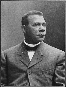 Booker_T_Washington_portrait_