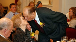 wife-president-monson-kissing