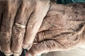 old-hands3