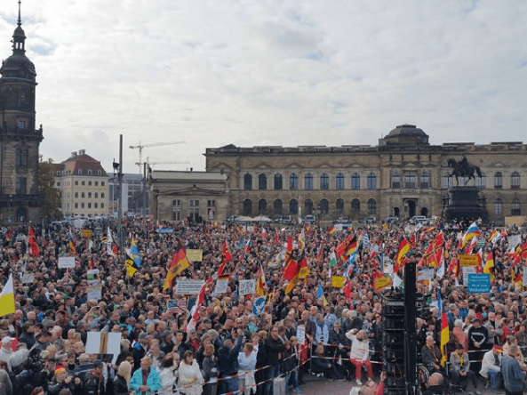 pegida-anti-immigration-dresden